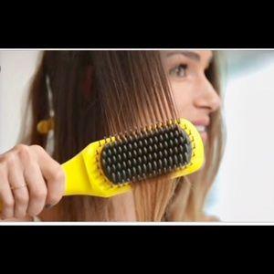 Drybar The Brush Crush Heated Straightening Brush